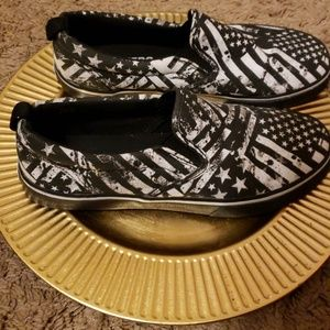 BROTHERS Shoes - EUC BROTHERS Black and White Stars and Stripes